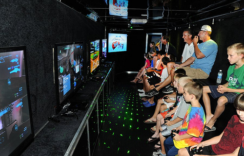 video-game-truck-school-reward-party-entertainment-fundraiser-coral-springs-florida